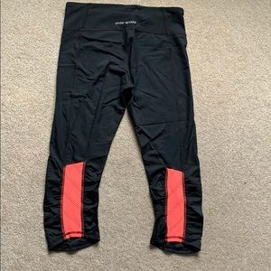 Black & pink u def armour crop tights